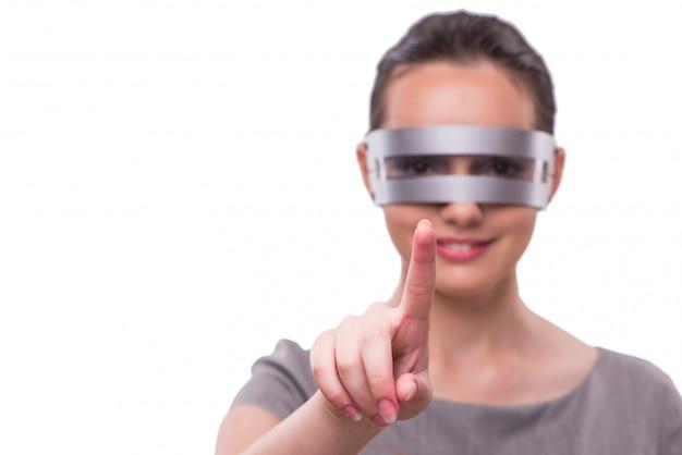Futuristisch concept met techno cyber vrouw die op wit wordt geïsoleerd