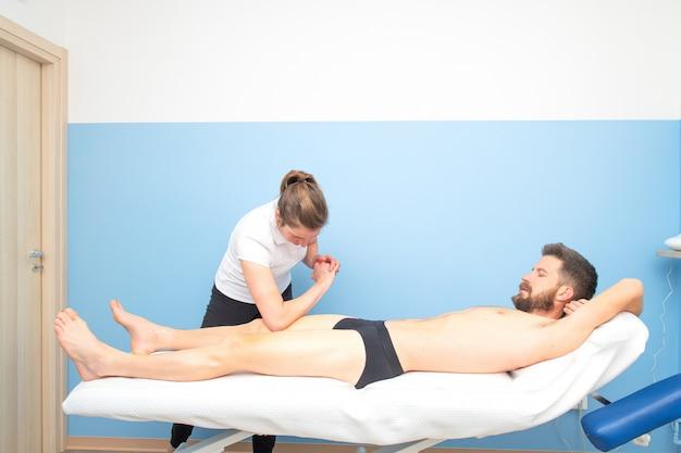 Fysiotherapiebehandeling voor de quadriceps van de sporter