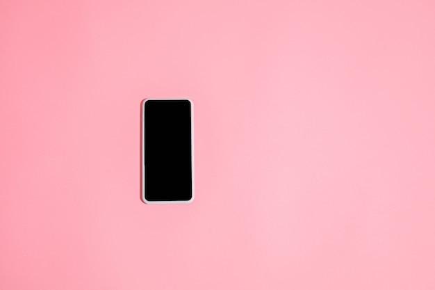 Gadgets, apparaat in bovenaanzicht, leeg scherm met copyspace, minimalistische stijl