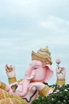 Ganesha-standbeeld in thailand