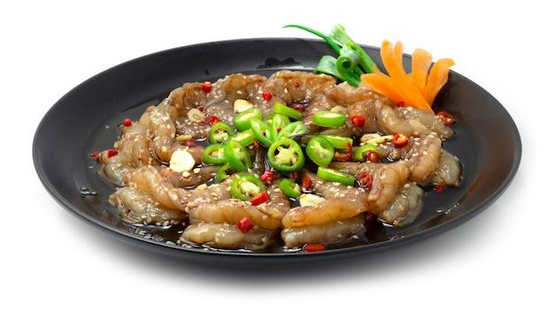 Garnalen saewoojang in sojasaus gemarineerd bestrooi met chili knoflook