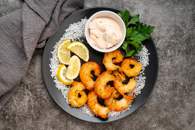 Gastronomische mosselen en citroenplakken
