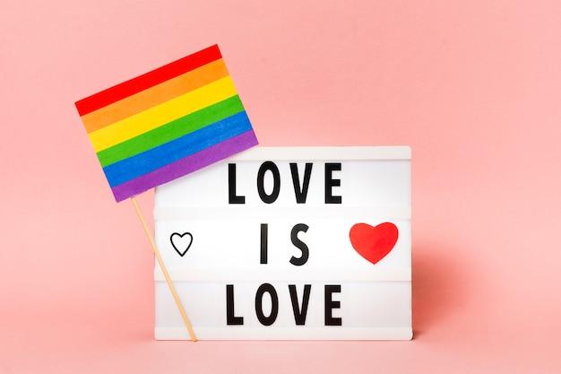 Gay pride vlag in regenboogkleuren