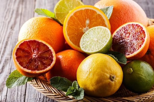 Geassorteerde verse citrusvruchten