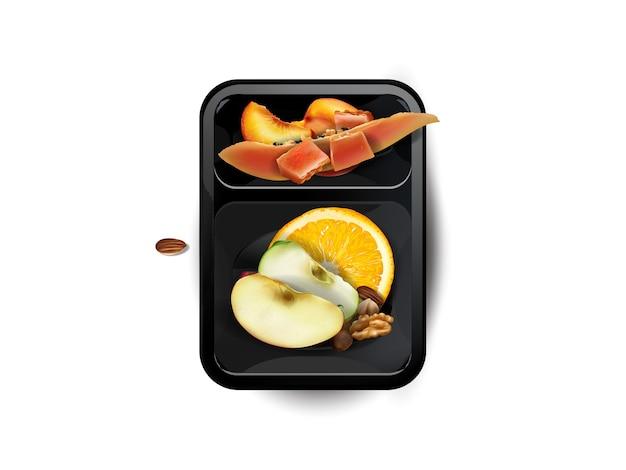 Geassorteerde vruchten en noten in een lunchbox die op witte achtergrond wordt geïsoleerd