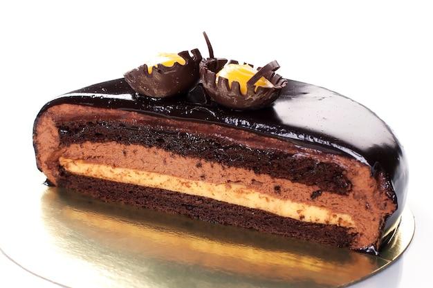 Gebak: brownie. chocoladetaart met karamel en glazuur