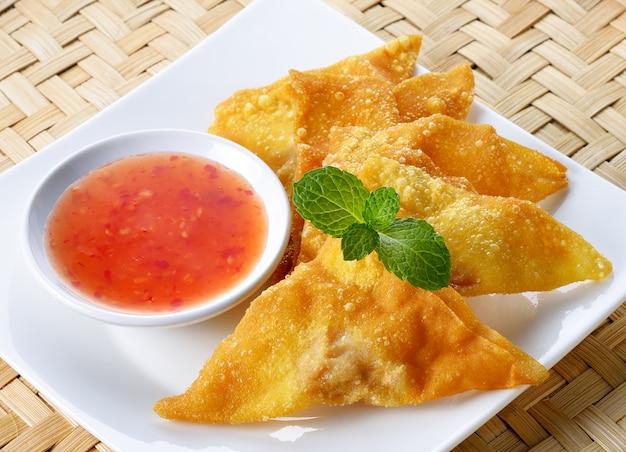Gebakken dumplings,, aziatisch eten