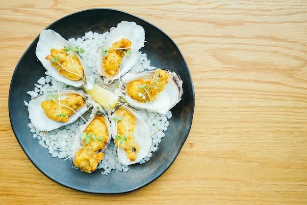 Gebakken oestershell met saus
