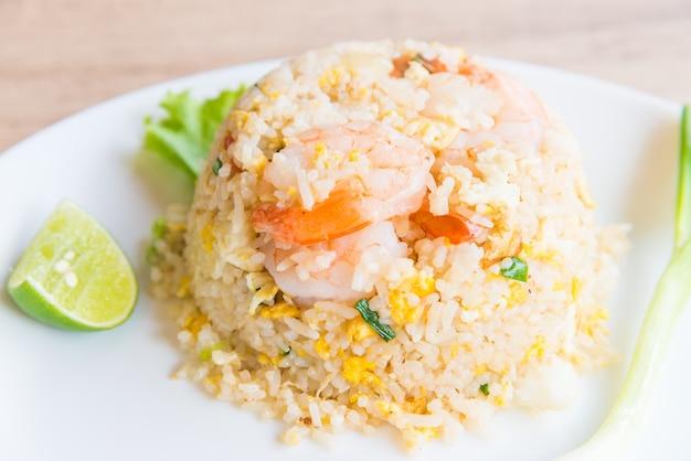 Gebakken rijst met garnalen