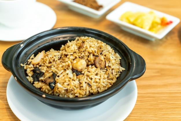 Gebakken rijst met taro