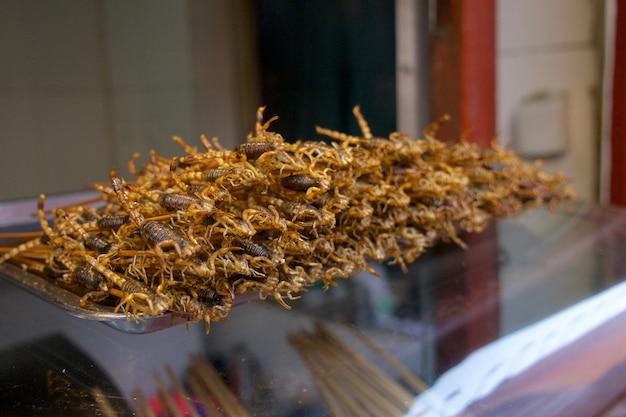 Gebakken schorpioenen, wangfujing straatvoedsel in china