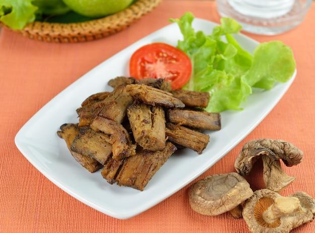 Gebakken shitake stam, vegetarisch eten