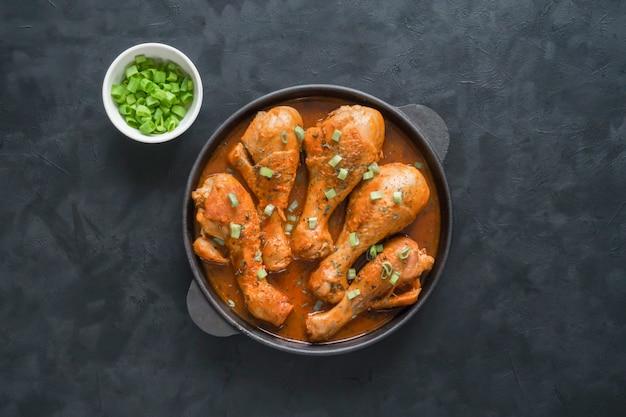 Gebakken tandoori kip, heerlijke indiase keuken.