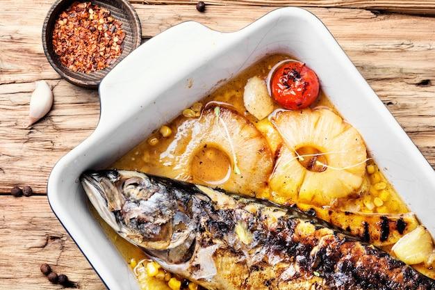 Gebakken vis met ananas