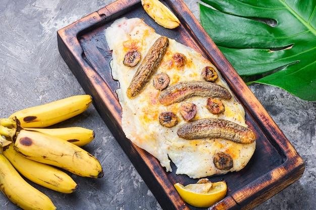 Gebakken vis met banaan