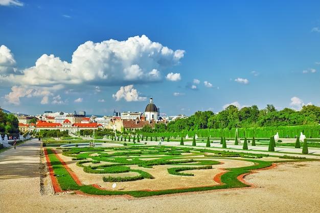 Gebied van het park-tuincomplex belvedere.vienna. oostenrijk.