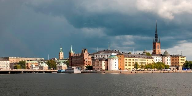 Gebouwen aan de waterkant, stockholm, zweden