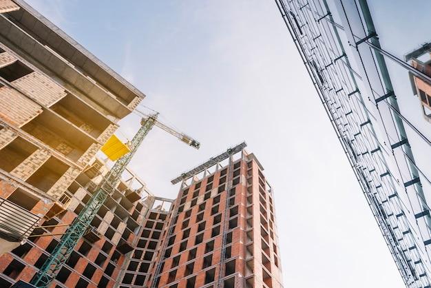 Gebouwen op de bouwplaats
