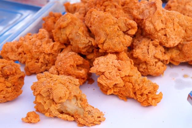 Gebraden kip bij straatvoedsel