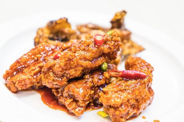 Gebraden kip met pittige saus