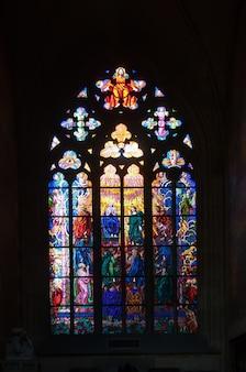 Gebrandschilderd glas in de sint vitus kathedraal