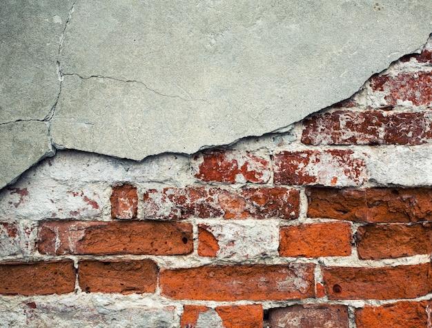 Gebroken bakstenen muur