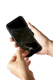 Gebroken beschermfolie op een smartphonescherm