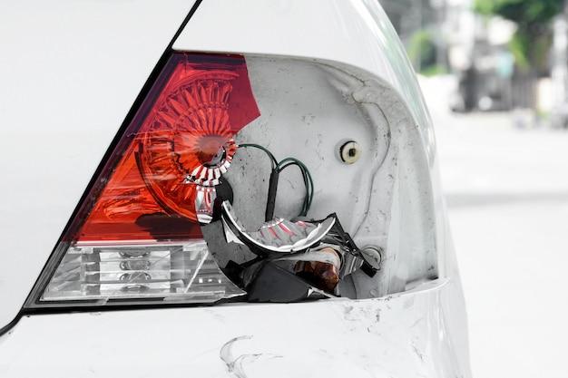 Gebroken remlicht voor auto