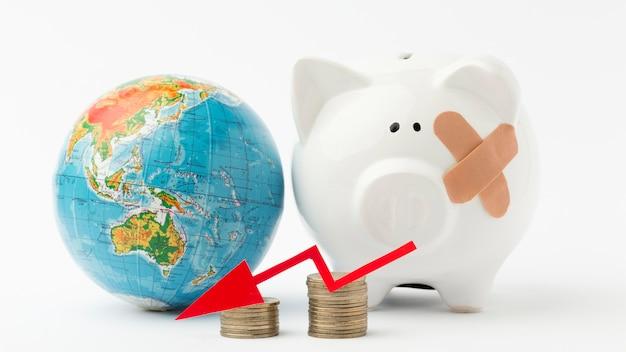 Gebroken spaarvarken wereldwijde recessie