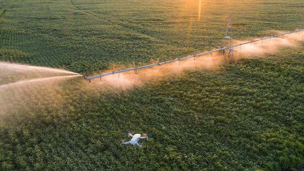 Gebruik van een drone om landbouwwerkzaamheden te volgen