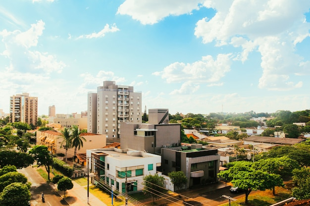 Gedeeltelijke weergave van de stad dourados, in mato grosso do sul, brazilië