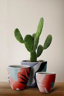 Gedessineerde plantenpotten met cereus cactus