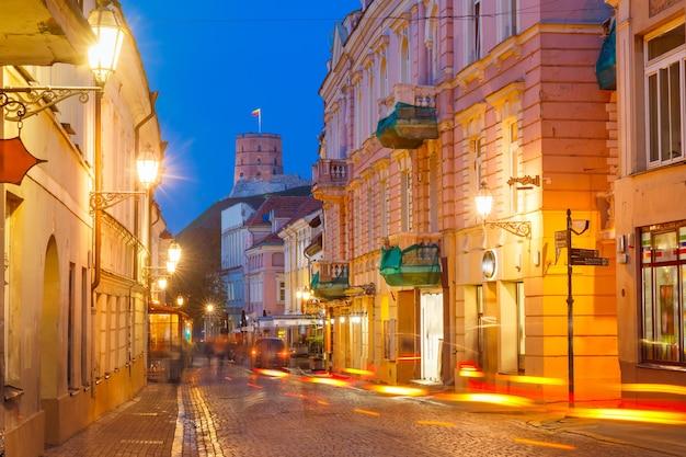 Gediminastoren of bovenkasteel, oude stad van vilnius, litouwen, baltische staten