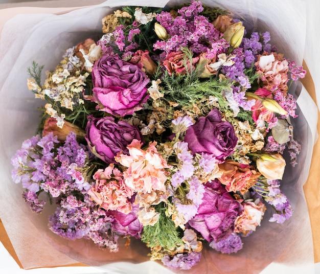 Gedroogd bloemboeket voor huwelijk en de dag van valentijnskaarten
