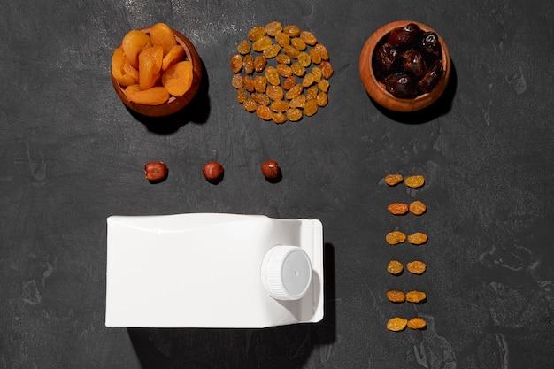 Gedroogd fruit arrangement boven weergave