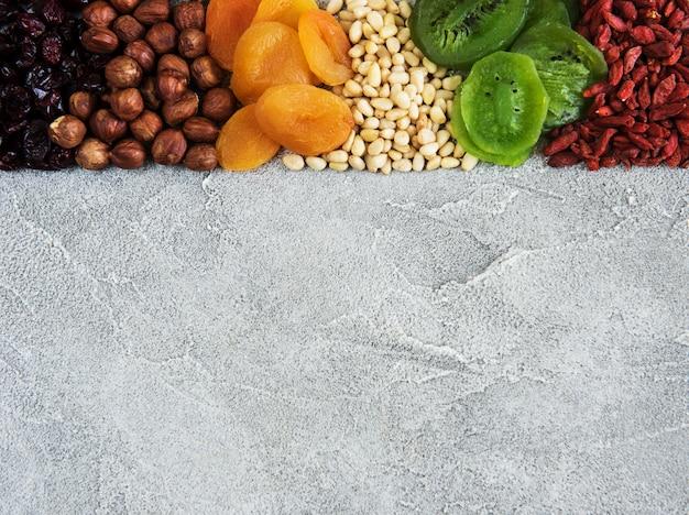 Gedroogd fruit en noten
