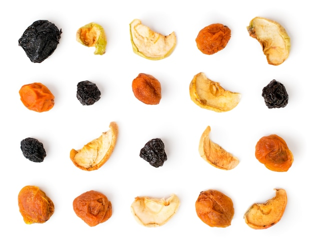 Gedroogd fruit geïsoleerd opgemaakt