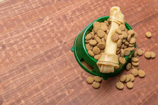 Gedroogd voer voor honden of katten.