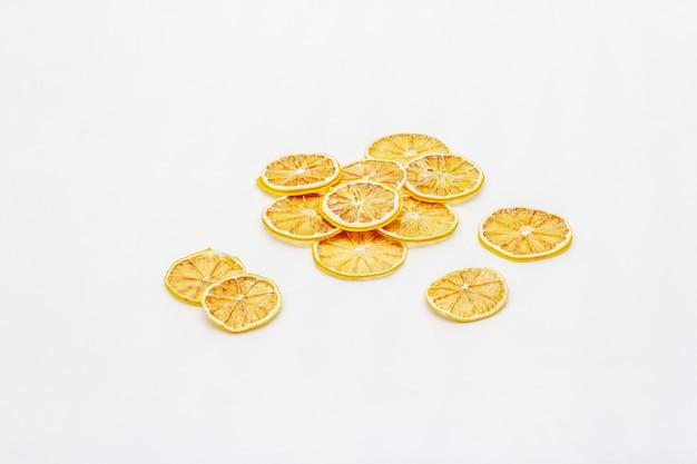 Gedroogde plakjes citroen
