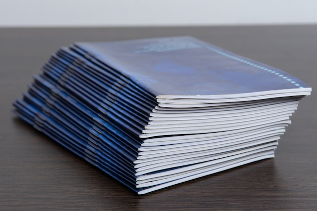 Gedrukte brochures van de drukkerij