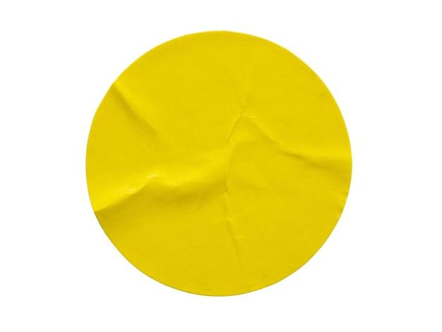 Geel rond papieren stickeretiket op wit