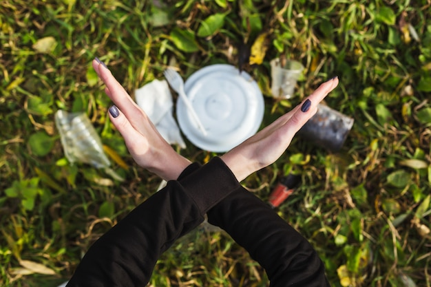 Geen afval garbage collection en landhuis wonen. maak de planeet schoon