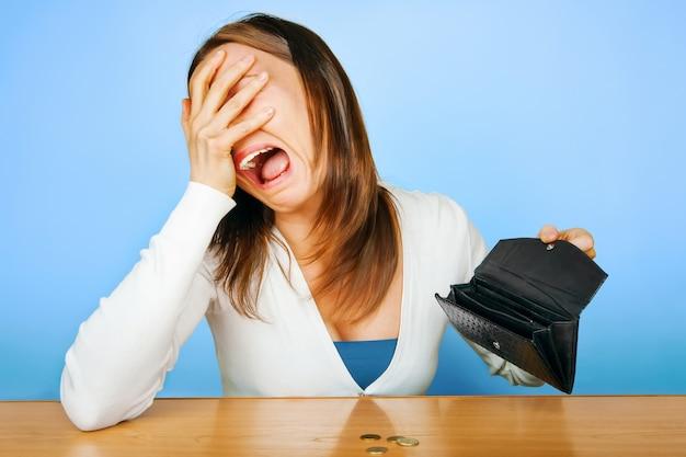 Geen geld huilende vrouw meer faillissement