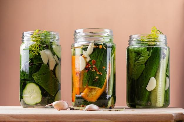 Gefermenteerde zelfgemaakte groenten