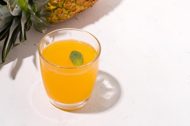 Gefermenteerde zomerdrank kombucha limonade