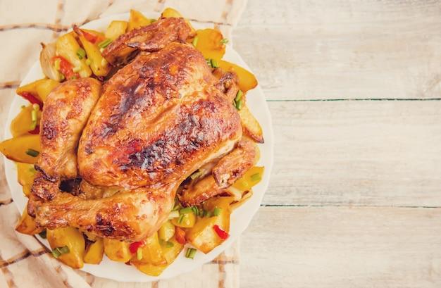 Gefrituurde kip. thanksgiving day. selectieve nadruk voedselvlees