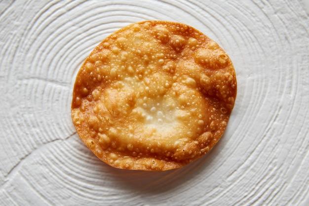 Gefrituurde tortilla op moderne gastronomie