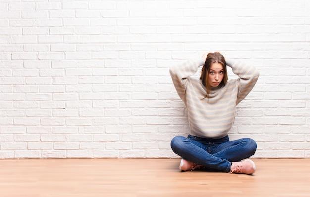 Gefrustreerd en geïrriteerd voelen, ziek en moe zijn van mislukking, saaie, saaie taken zat zijn