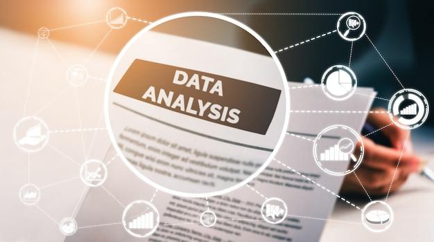 Gegevensanalyse voor bedrijfs- en financieringsconcept