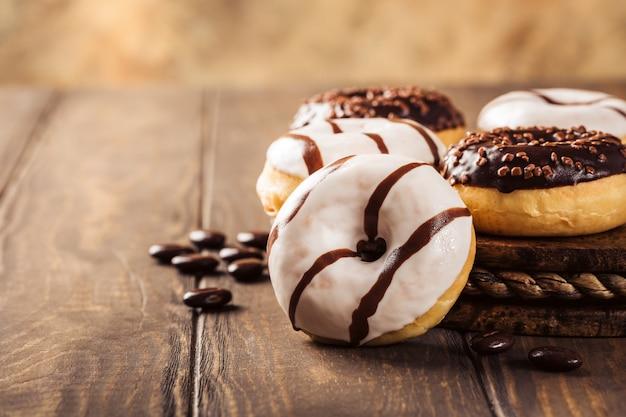 Geglazuurde mini-donuts